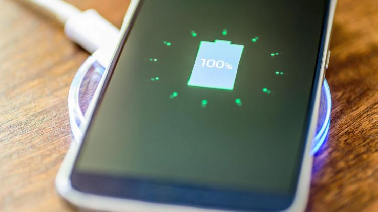 Caricare lo smartphone tutta la notte danneggia la durata batteria?