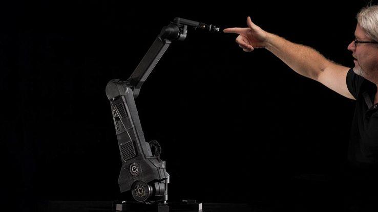 Dexter, il braccio robotico capace di produrre tutto