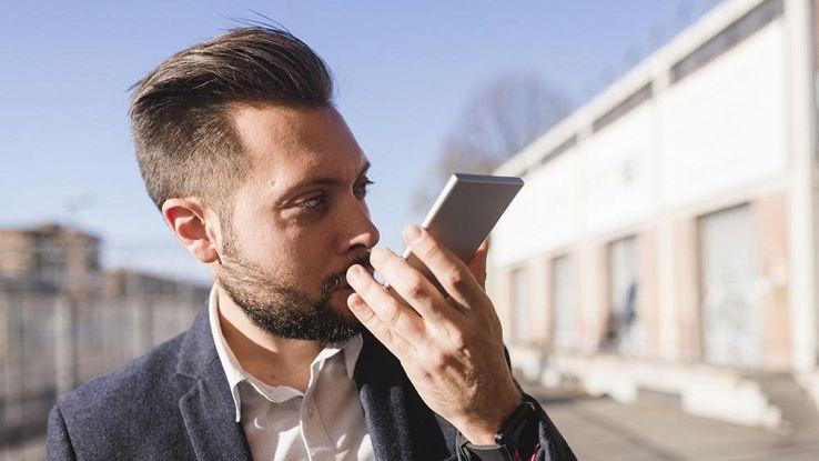 WhatsApp, novità per i messaggi vocali: sarà più facile registrarli