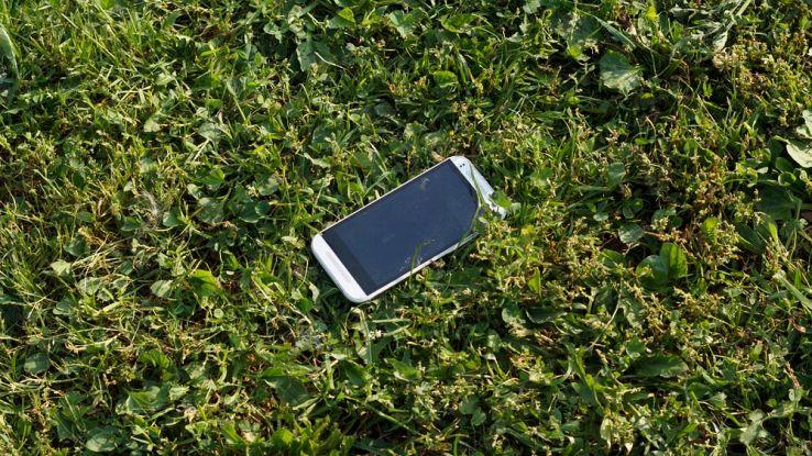 Cosa fare e cosa non fare se trovi uno smartphone perso