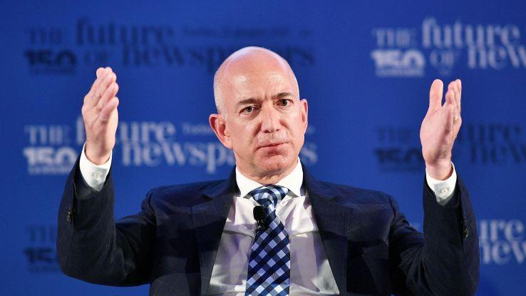 Amazon brevetta specchio 'smart'