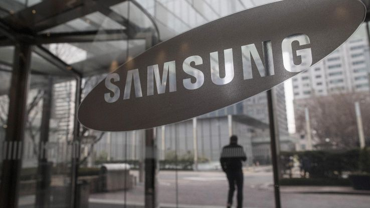 Samsung, smartphone pieghevole nel 2019