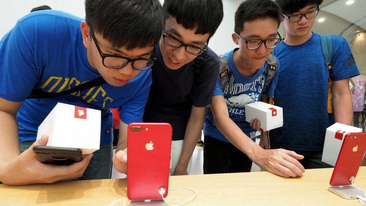 Pressing su Apple su uso iPhone a bimbi
