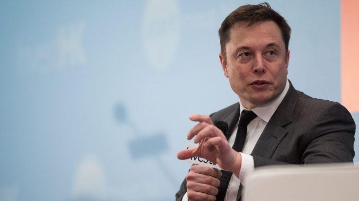 Elon Musk lascia centro ricerche OpenAi