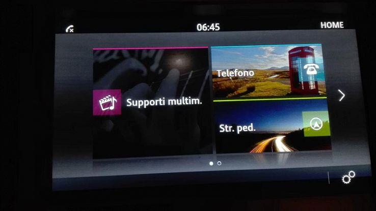 Cruscotto auto, display come smartphone