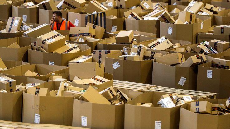 Amazon, recensioni uso improprio oggetti