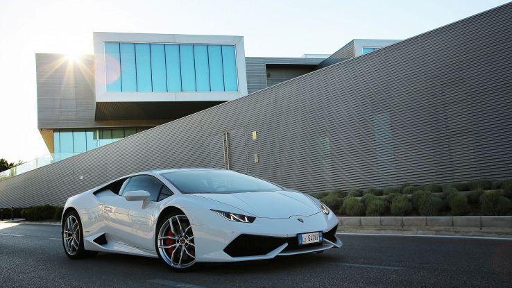 Lamborghini, ora è anche iperconnessa