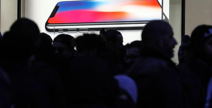 Vendite di smartphone, Apple scalza Samsung