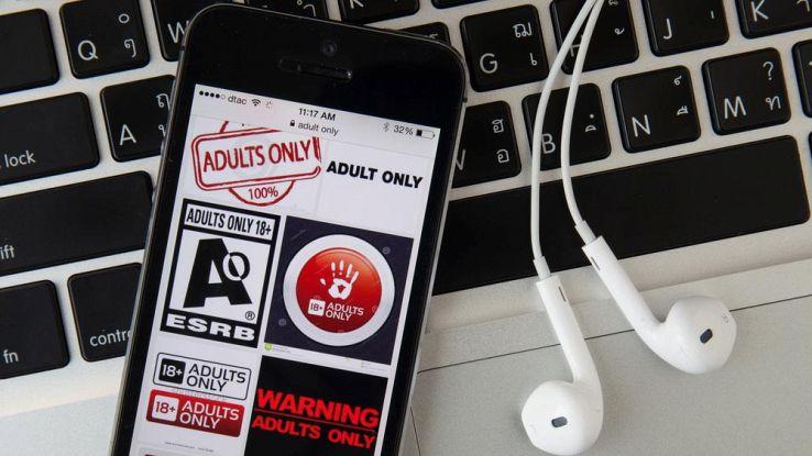Virus informatici, la colpa è dei contenuti per adulti