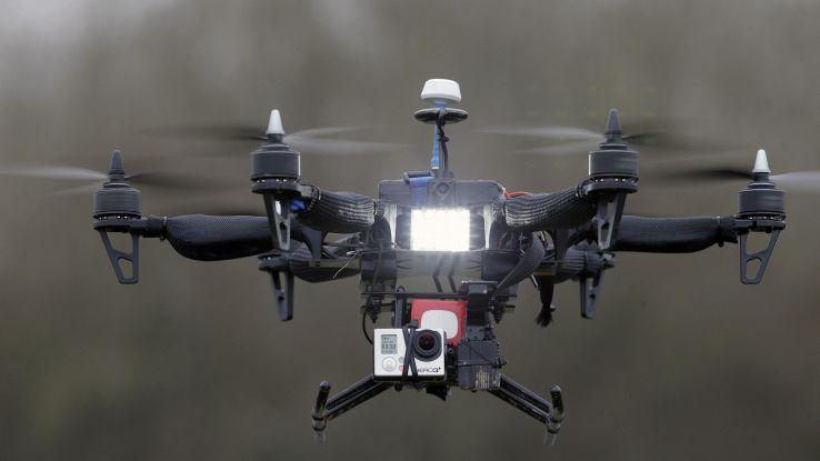 Pronto selfie-drone,fa foto in autonomia