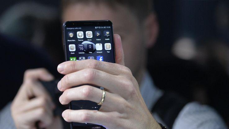 Huawei, P20 avrà la 'tacca' di iPhone X