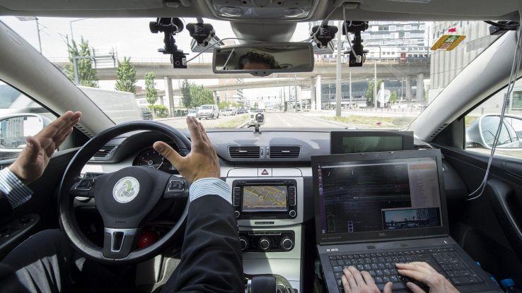 Guida autonoma, Torino si candida test