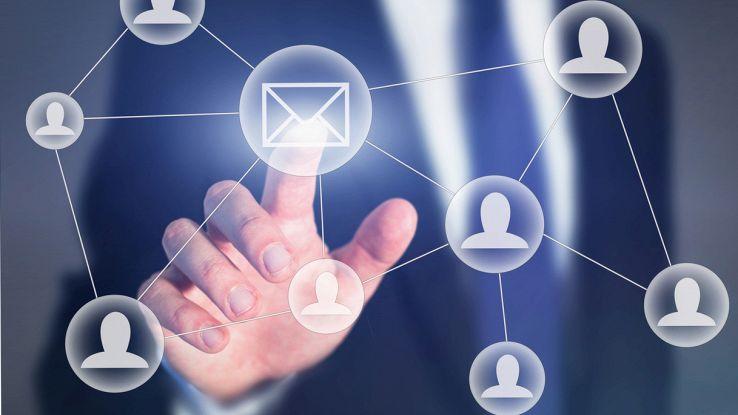 La tua rubrica su Libero Mail: puoi anche importarla o esportarla