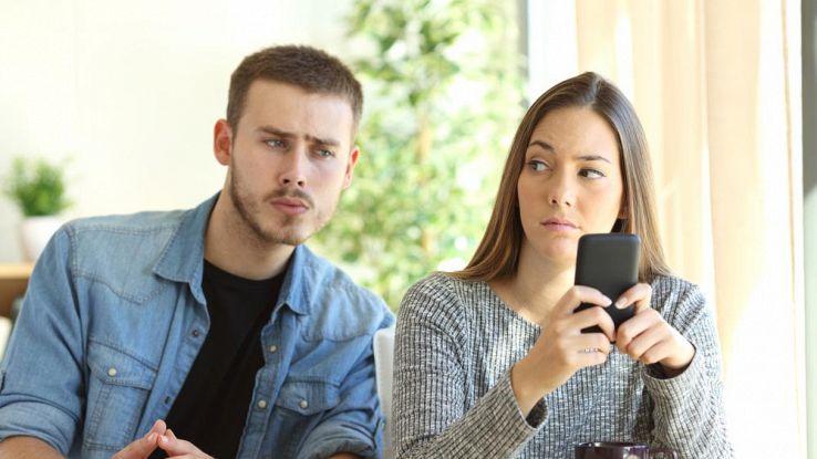 Come proteggere lo smartphone dagli spioni