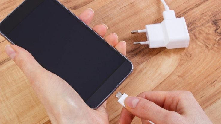 Si può usare uno smartphone sotto carica?