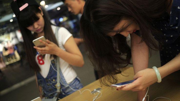 Smartphone: a picco mercato cinese, -21%
