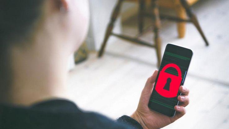 smartphone bloccato da un virus