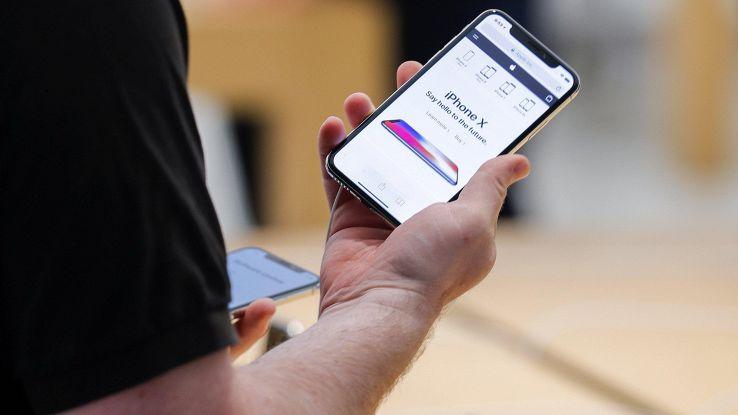 Giù mercato europeo smartphone, -6,3%