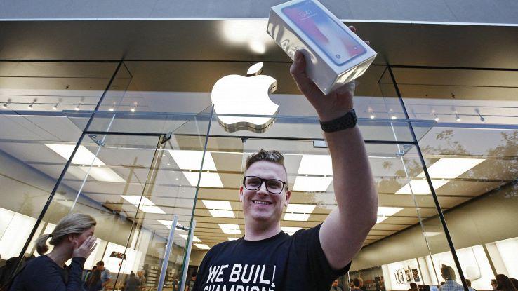 Apple, brevetto per display-specchio