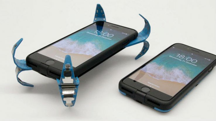 Due iPhone con una cover anti-urto