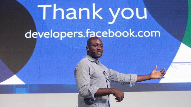 Fb, dati  usati per social su smartphone