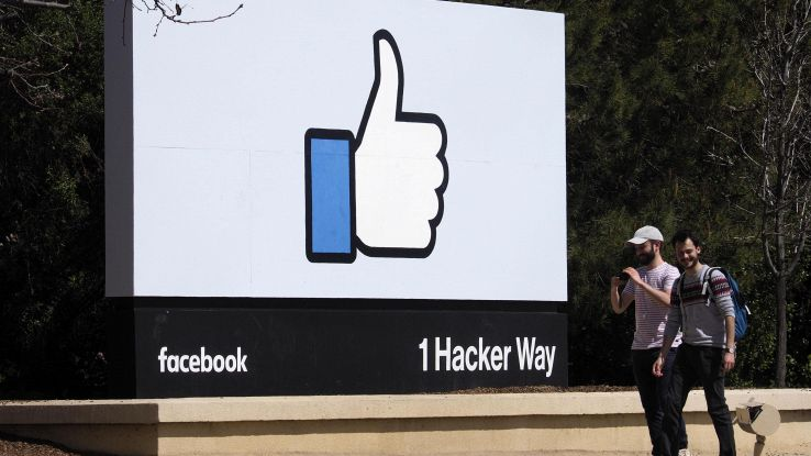 Facebook: espande il tasto downvote