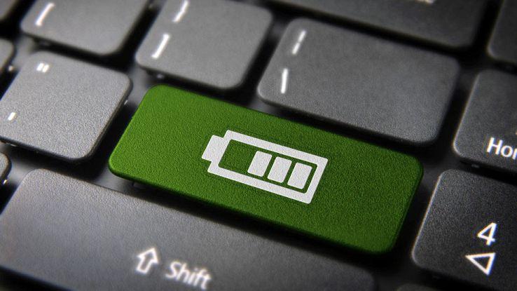il simbolo della batteria all'interno di una tastiera di un PC