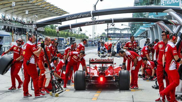 La Ferrari durante un pit-stop in Formula 1