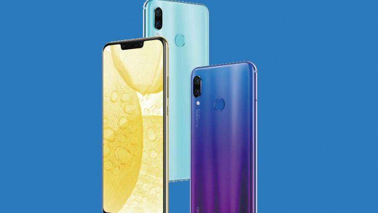 tre immagini del nuovo smartphone Huawei Nova 3