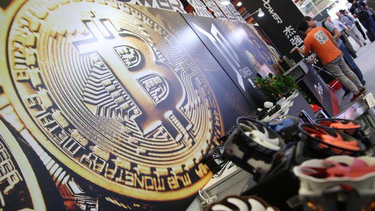 Produzione bitcoin consuma 1% energia