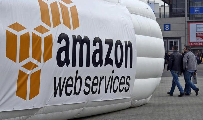 Amazon fa il 'postino' senza permesso, multa 300mila euro
