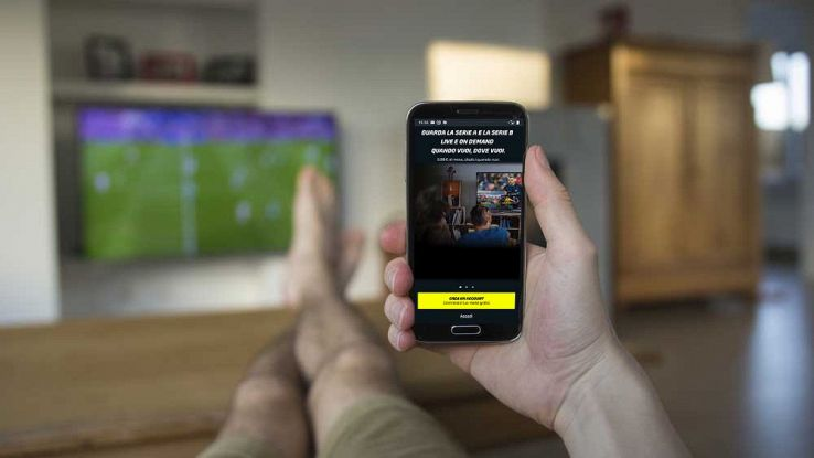 smartphone android con app dazn