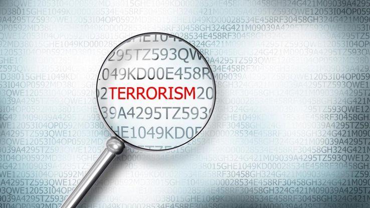 Facebook e Twitter obbligati a eliminare contenuti terroristici