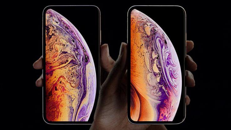 iPhone Xs nella doppia versione da 5,8 pollici e 6,5 pollici