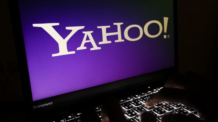 Yahoo, 50 mln dlr a utenti per hacker