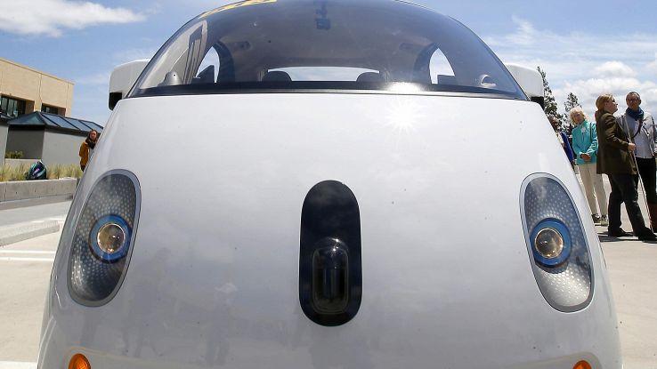 Google,primo ok per auto senza guidatore