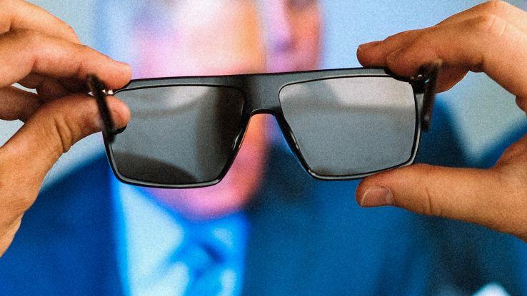 Occhiali che spengono schermi,da pc a Tv