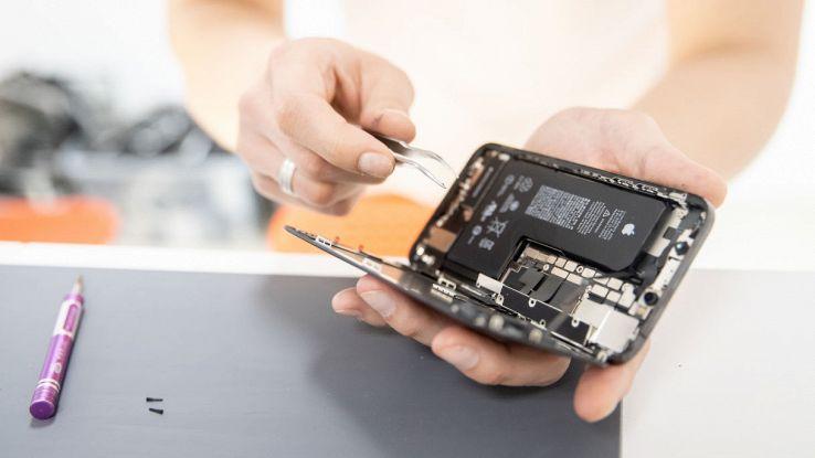 Come cambiare batteria all'iPhone