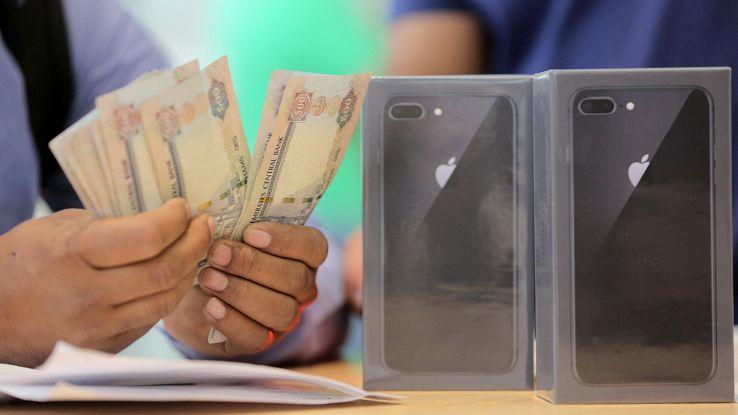 Si vendono sempre meno smartphone