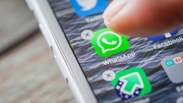 Cancellare WhatsApp