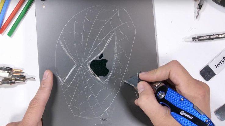 iPad Pro 2018 con Spider-Man disegnato