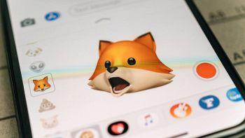 Un Animoji sullo schermo di uno smartphone