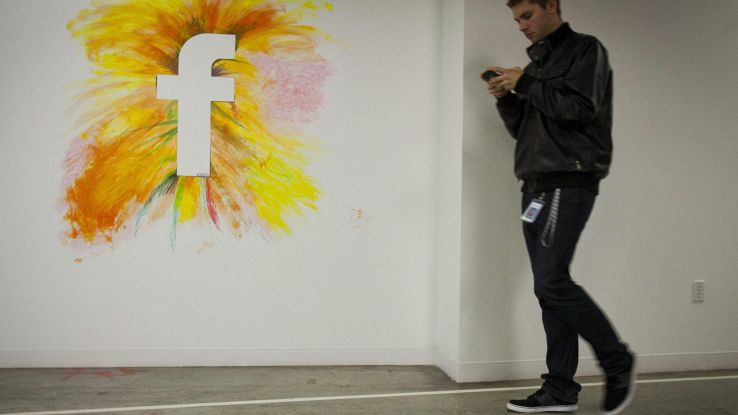 Facebook, secondo telefono per parlare