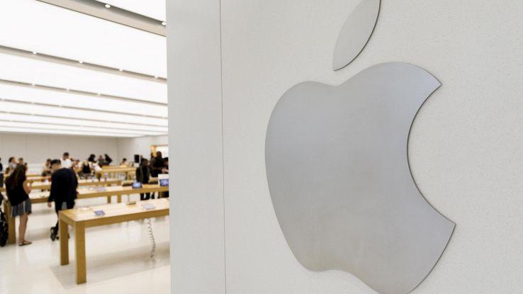 Apple, causa sulla tacca dell'iPhone