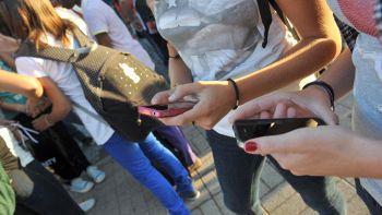 100mila dlr per un anno senza smartphone