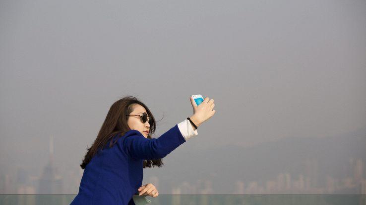 Attenti al 'selfie wrist'