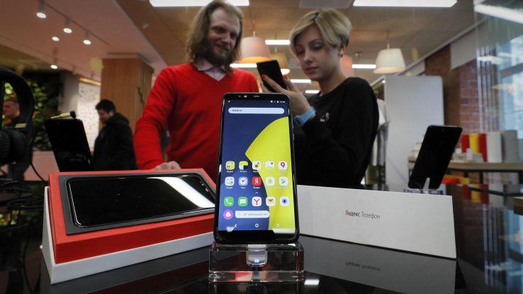 Russia, Yandex presenta suo telefono