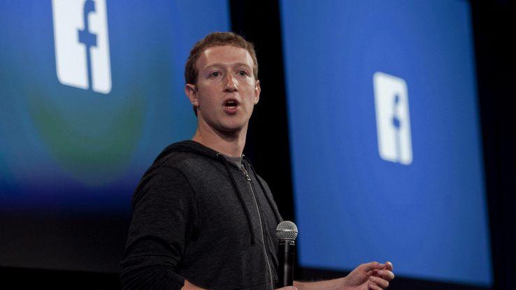 Fb, accesso dati a società tech