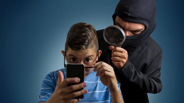 WhatsApp, cosa fare quando ti rubano lo smartphone