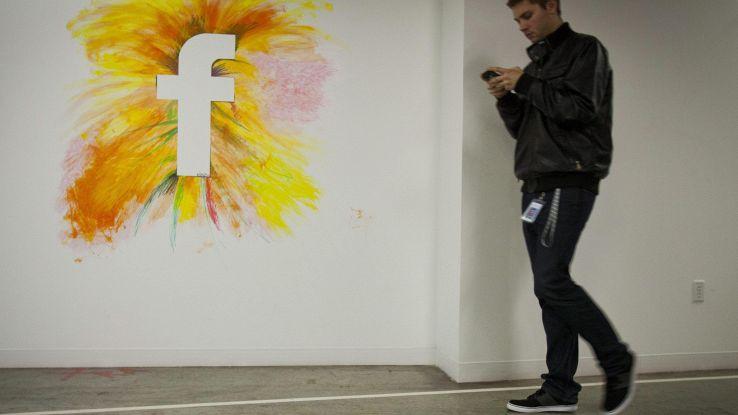 App inviano dati a FB senza consenso